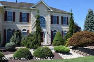4 Bowers Dr, Freehold, NJ 07728