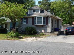 615 Parkside Ave, Toms River, NJ 08753
