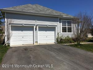 49 Pond View Cir, Barnegat, NJ 08005