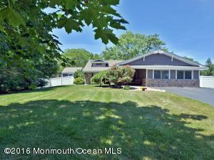 161 Townsend Dr, Freehold, NJ 07728