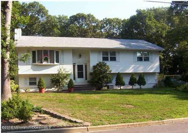 579 Lanlac Dr, Lanoka Harbor, NJ 08734