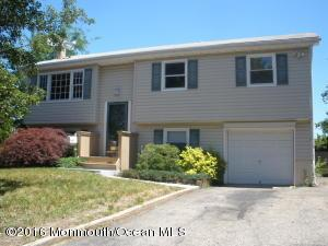 102 Fairway Dr, Toms River, NJ 08757