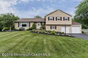 3 Copperfield Ct, Hazlet, NJ 07730