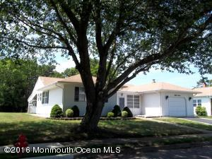 37 Encinitas Dr, Toms River, NJ 08757