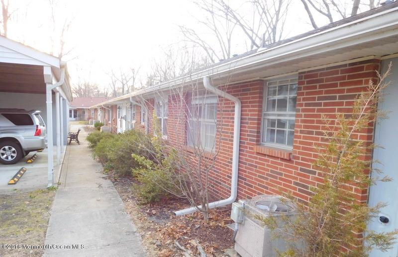 86 Dorchester Drive #100B, Lakewood, NJ 08701