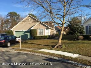 3233 Flagstone Ct, Toms River, NJ 08755