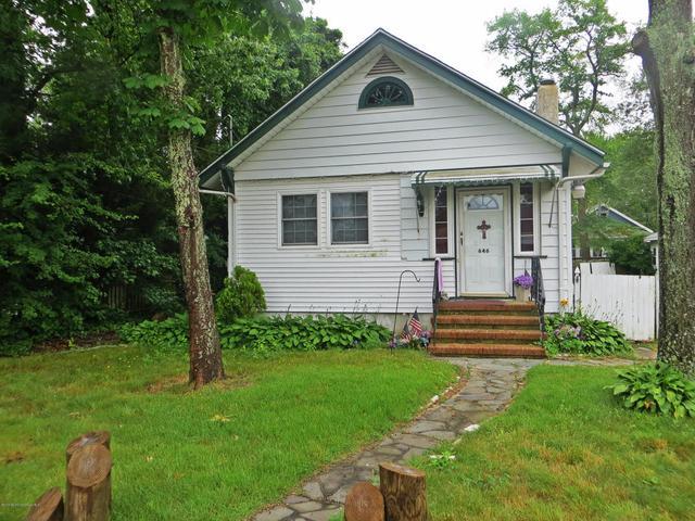 646 E Point Pleasant Ave, Ocean Gate, NJ 08740