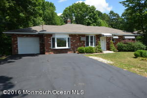 69 Harbor Road, Morganville, NJ 07751