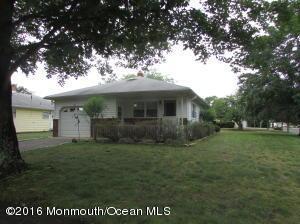 27 Le Lamentin Dr, Toms River, NJ 08757