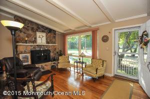 36 Middlesex Rd, Matawan, NJ 07747