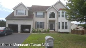 67 Chestnut Way Cir, Barnegat, NJ 08005