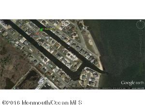 21 Bayview Drive, Waretown, NJ 08758