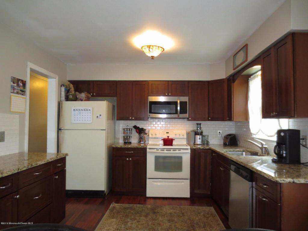 883 Cedar Place, Aberdeen, NJ 07747