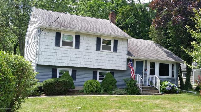 34 Cherry Tree Farm Rd, Middletown, NJ 07748
