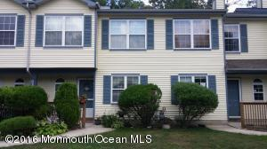 37 Quail Run, Bayville, NJ 08721