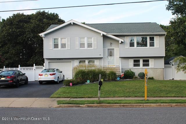 182 Cranberry Rd, Toms River, NJ 08753