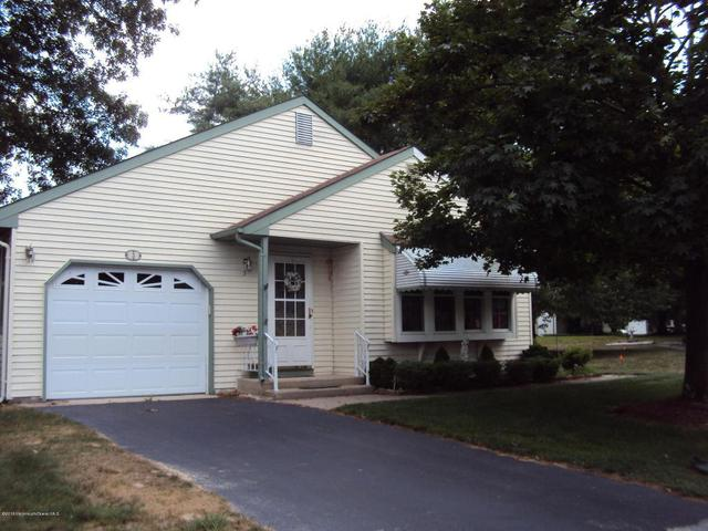 3 Kittery Ct #64, Whiting, NJ 08759