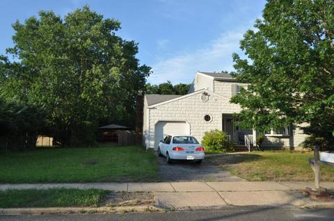 1674 Hidden Ln, Lakewood, NJ 08701