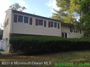 2 Danemar Dr, Middletown, NJ 07748