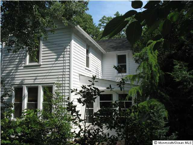 223 Navesink Ave, Atlantic Highlands, NJ 07716