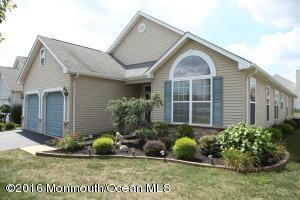 438 Monticello Ln, Lakewood, NJ 08701