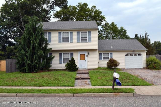 163 Village Rd, Toms River, NJ 08755