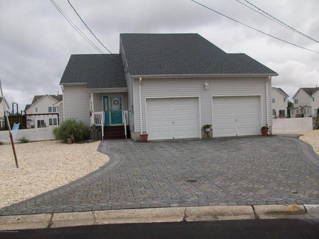 97 Ronald Ave S, Bayville, NJ 08721