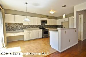 5404 Belmont Ct, Toms River, NJ 08755