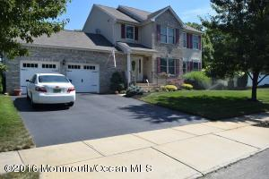 22 Glacier Dr, Howell, NJ 07731