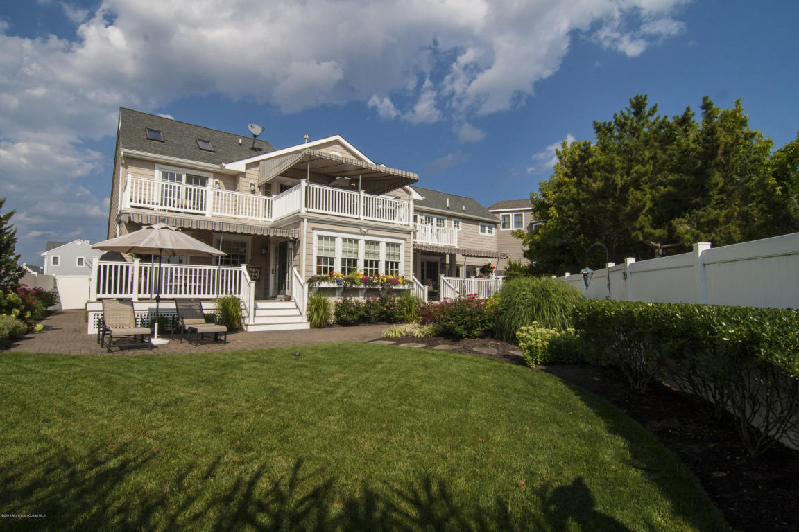 151 Glimmer Glass Circle, Manasquan, NJ 08736