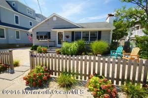 45 5th Ave, Normandy Beach, NJ 08739