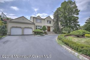 30 Scott Dr, Morganville, NJ 07751