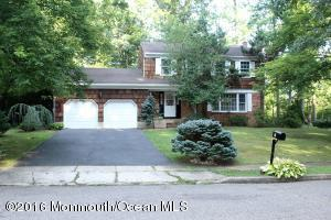 6 Leaf Ln, Old Bridge, NJ 08857