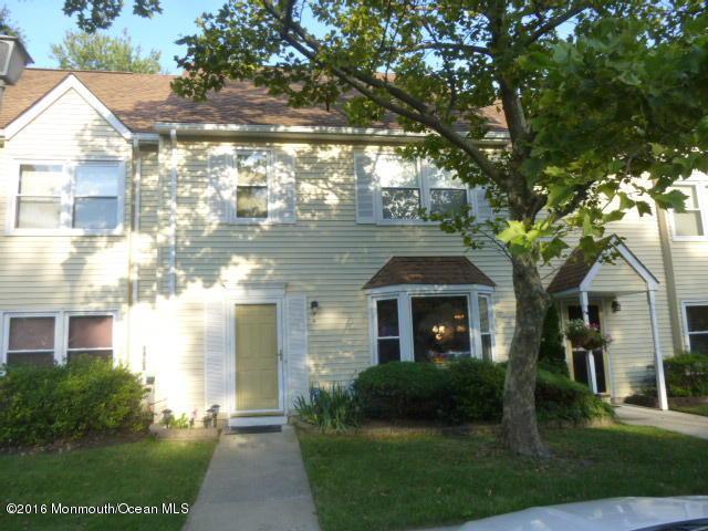 9 Colonial Ct, Jackson, NJ 08527