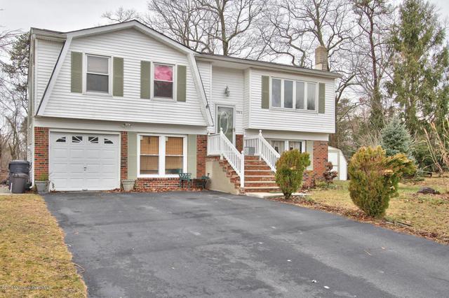 701 Millbrook Rd, Brick, NJ 08724