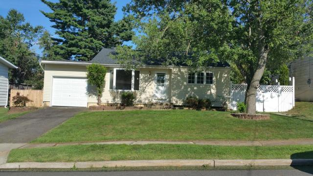 24 Heather Dr, Old Bridge, NJ 08857
