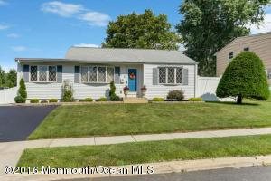 12 Holly St, Old Bridge, NJ 08857