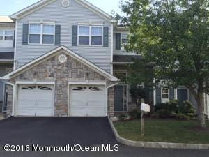 53 Rozalyn Ln, Laurence Harbor, NJ 08879