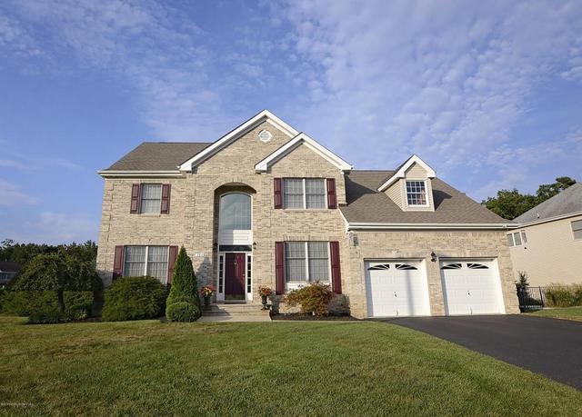 384 Brentwood Ave, Toms River, NJ 08755
