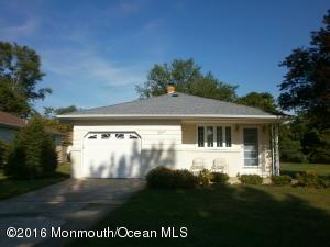 3 Carrazal Ct, Toms River, NJ 08757