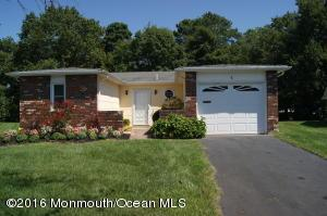 8 Browning Ct, Brick, NJ 08724