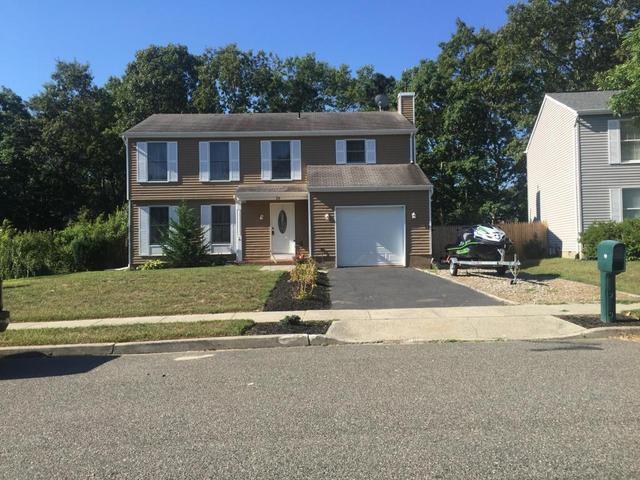 29 Beacon Dr, Barnegat, NJ 08005