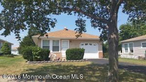 12 Monaco Ct, Toms River, NJ 08757