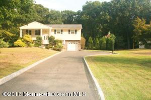 18 Willow Grove Way, Manalapan, NJ 07726