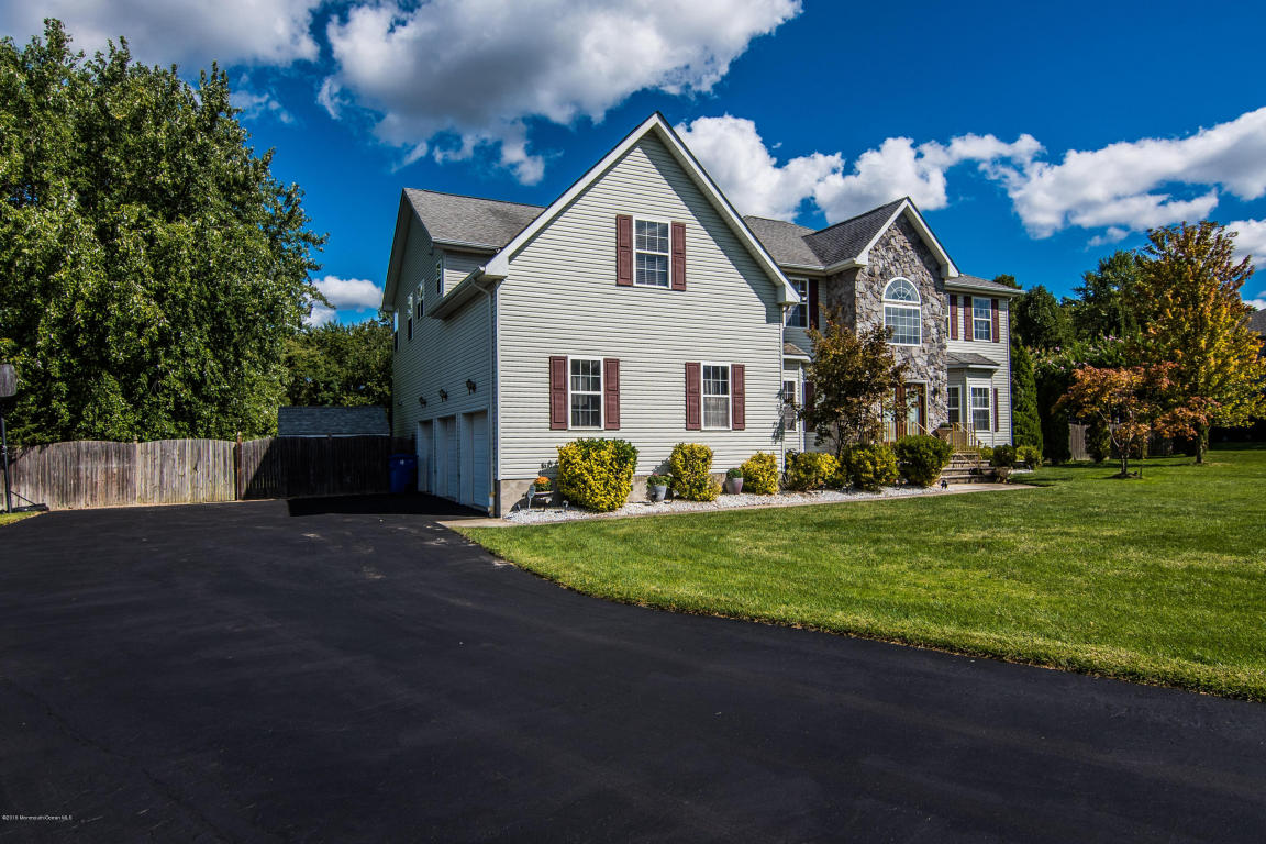 1208 Royal Sire Court, Toms River, NJ 08755