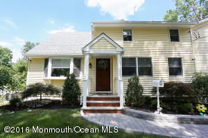 19 Maplewood Drive, Middletown, NJ 07748