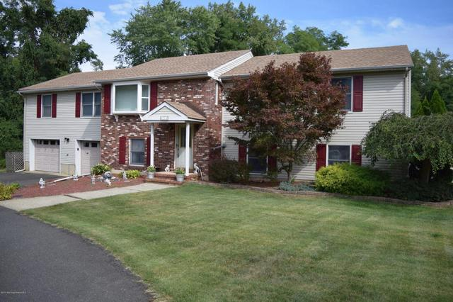 170 Grand Ave, Middletown, NJ 07748