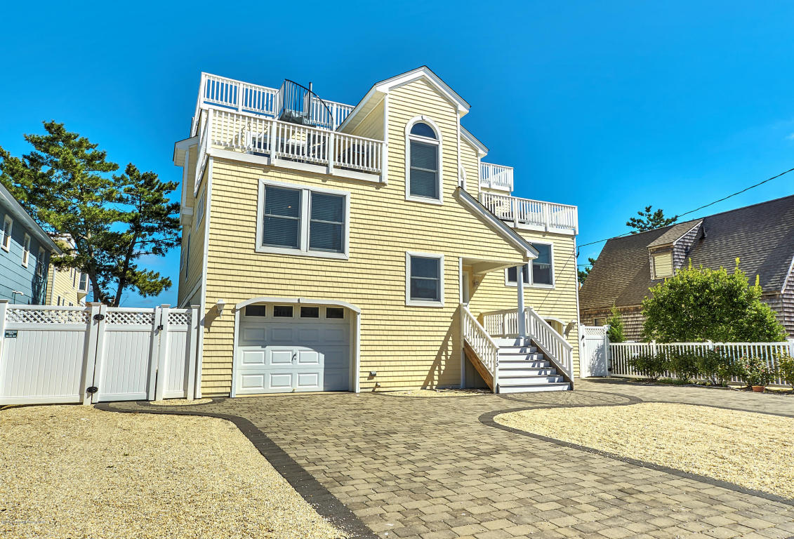 115 E 28th Street #A, Long Beach Township, NJ 08008