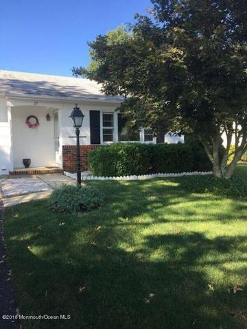 27 Bedford Ct, Toms River, NJ 08757