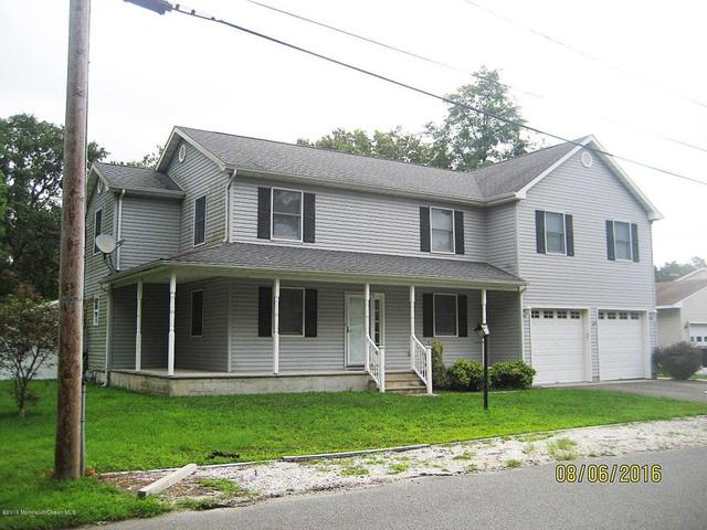 1614 Pershing Ave, Forked River, NJ 08731
